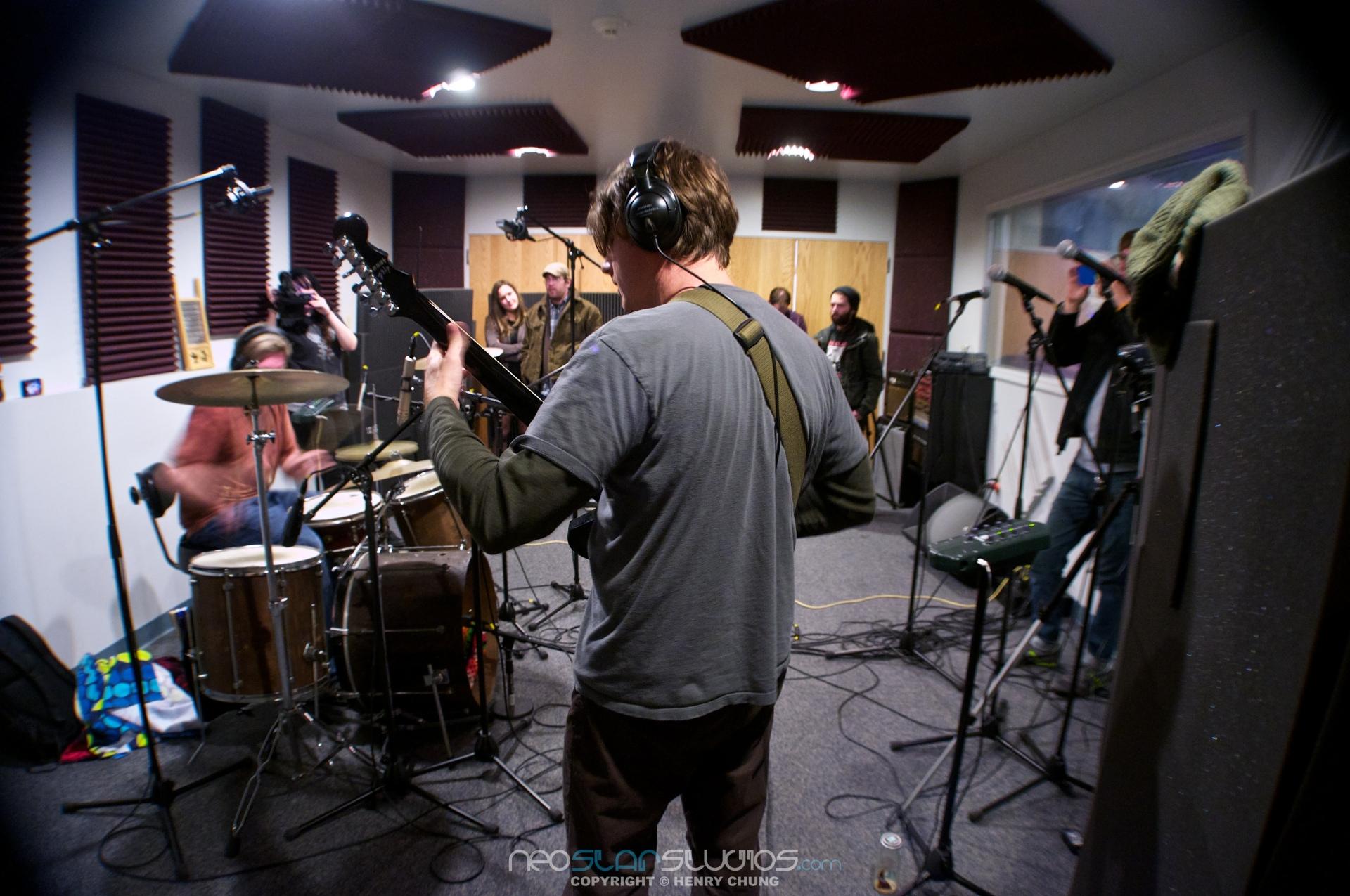 xlv Studio Sessions: HORSE – neostar//media