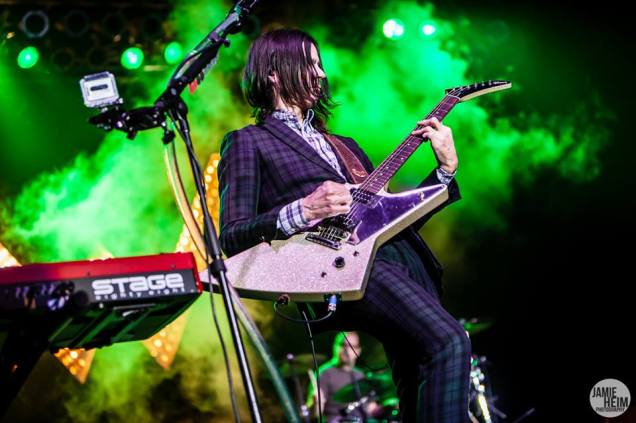 Weezer 25 © 2013 Jamie Heim