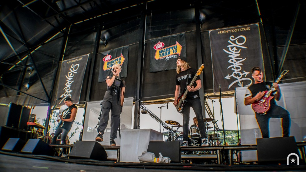 tonight-alive-warped-tour-2016-henry-chung-05
